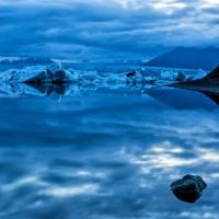 Ночь в лагуне айсбергов